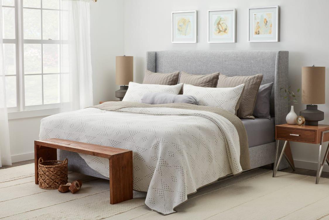 Как да направите спалнята по-уютна през зимата?